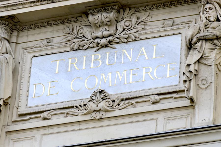 Au droit des affaires et au droit commercial